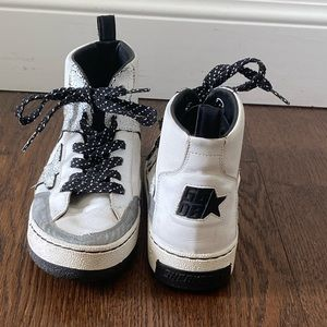 Golden Goose Noah Sneaker IT 40